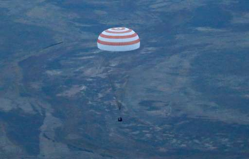 The Soyuz TMA-16M space capsule lands outside Zhezkazgan in Kazakhstan on 12 September 2015. Credit: Phys.org