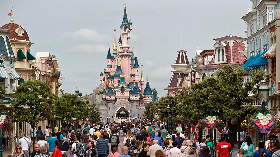 Man-arrested-in-Disneyland-Paris