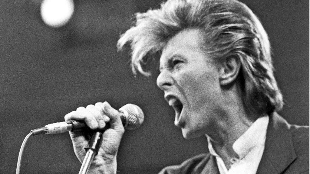 David Bowie performing during his Glass Spider tour. Photo: Rolling Stone Magazine
