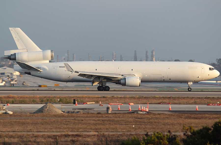Western-Global-Airlines-stowaway