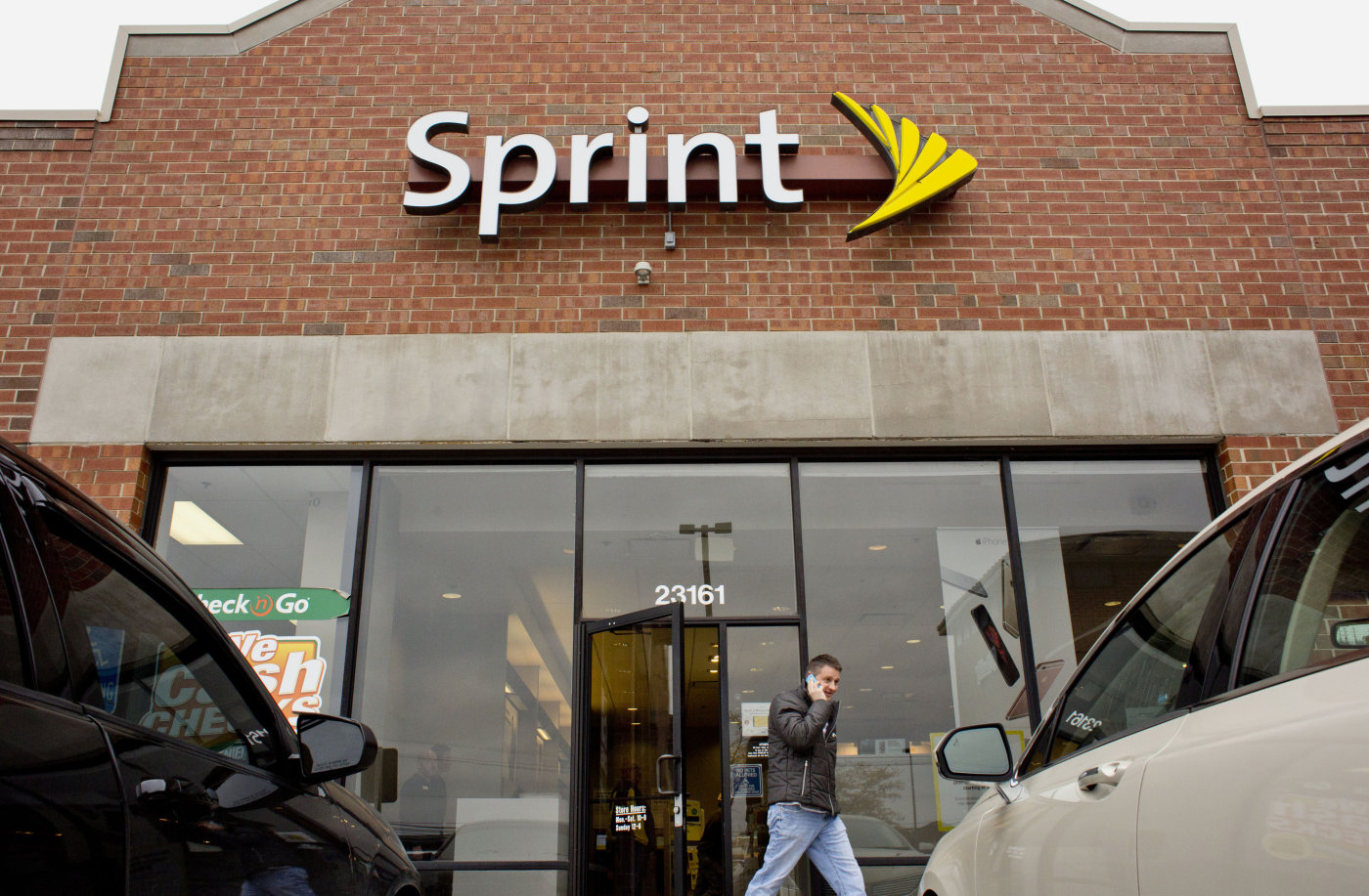 Sprint is reportedly bringing back two-year service plans