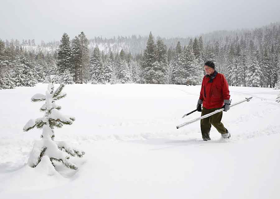 People from California have hoped that El Niño system, which came up strong this year, would deliver heavy snow and rain to the state. Photo credit: Rich Pedroncelli / SF Gate