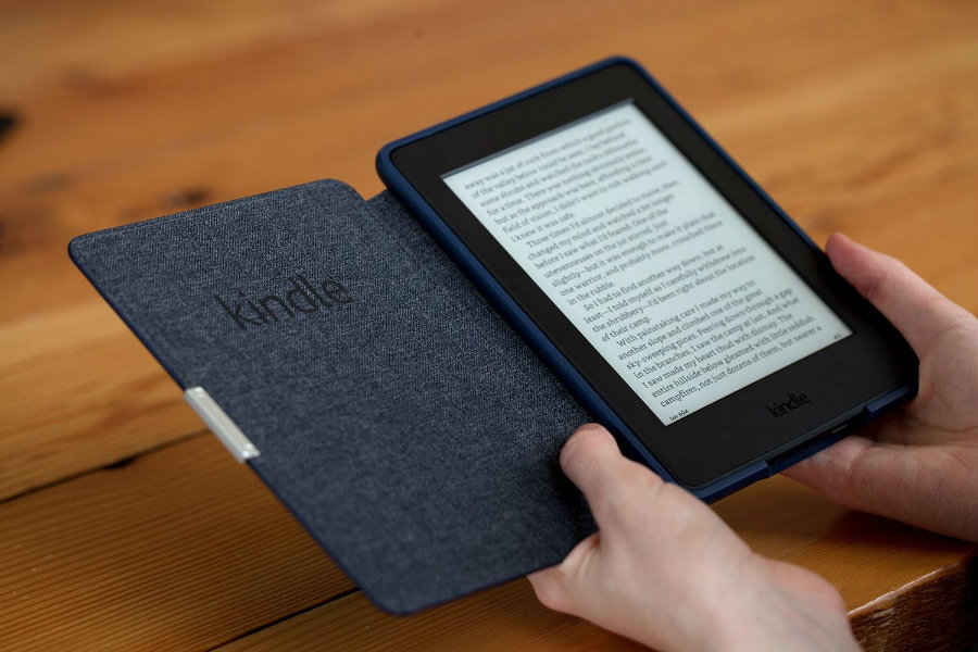 Amazon (NASDAQ: AMZN) says that Kindle customers need to update the software of old Kindle e-readers before Tuesday 22. Photo credit: Digital Trends
