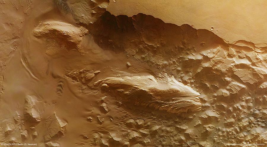 mars-mounds-Juventae_Chasma