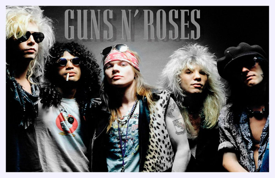 Guns N' Roses reunite for surprise performance