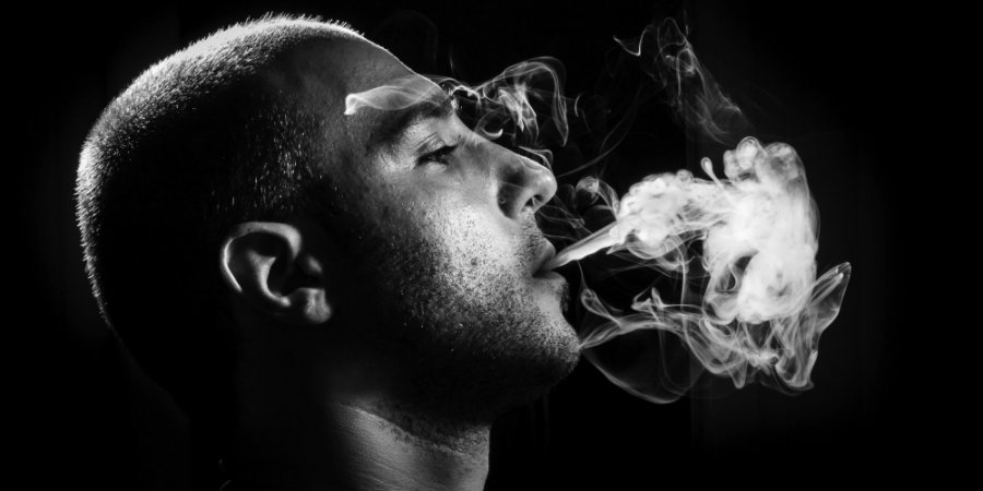 Researchers have determined that unemployed smokers are less likely to find a job than the non-smokers ones. Photo credit: Huffington Post