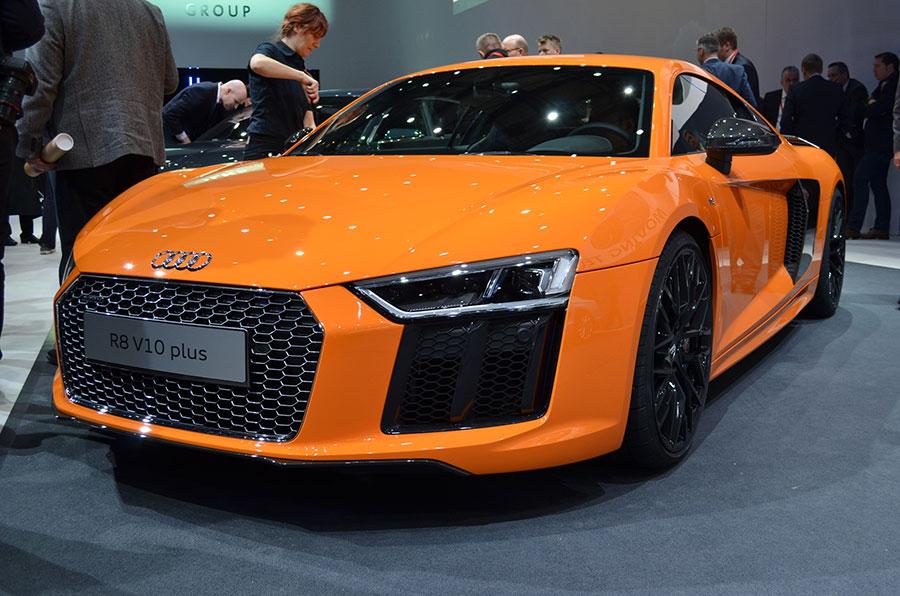 Audi r8 spyder black price in india 9