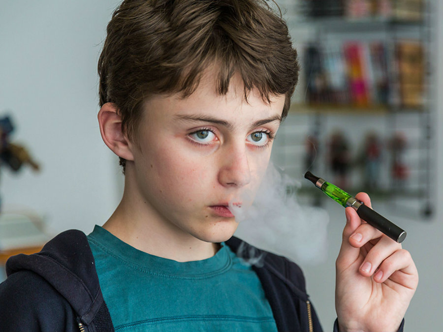 Between the 2014 and 2015, the number of youngsters that use e-cigarettes increased from 2.46 million to 3 million. Photo credit: Medscape