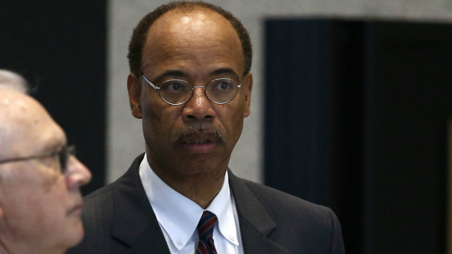 Former congressman Mel Reynolds was taken into federal custody Wednesday and has been sent to prison by a federal judge for failing to fulfill the requirements for electronic monitoring.   Photo credit: Chicago Tribune