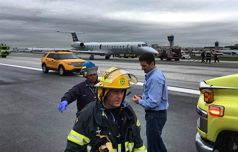 FAA: Smoke in jet cabin, cockpit leads to emergency landing