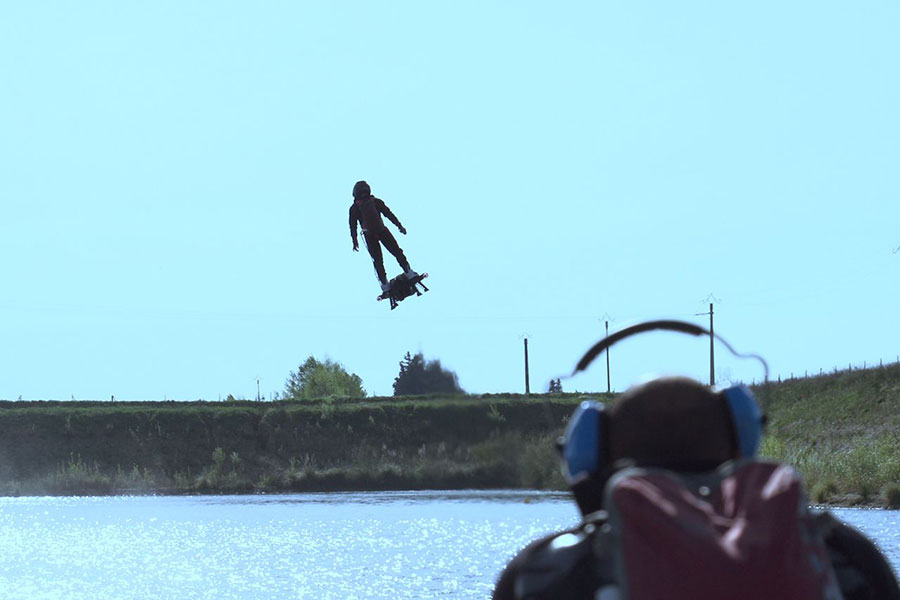 Franky-Zapata-sets-new-farthest-hoverboard-flight
