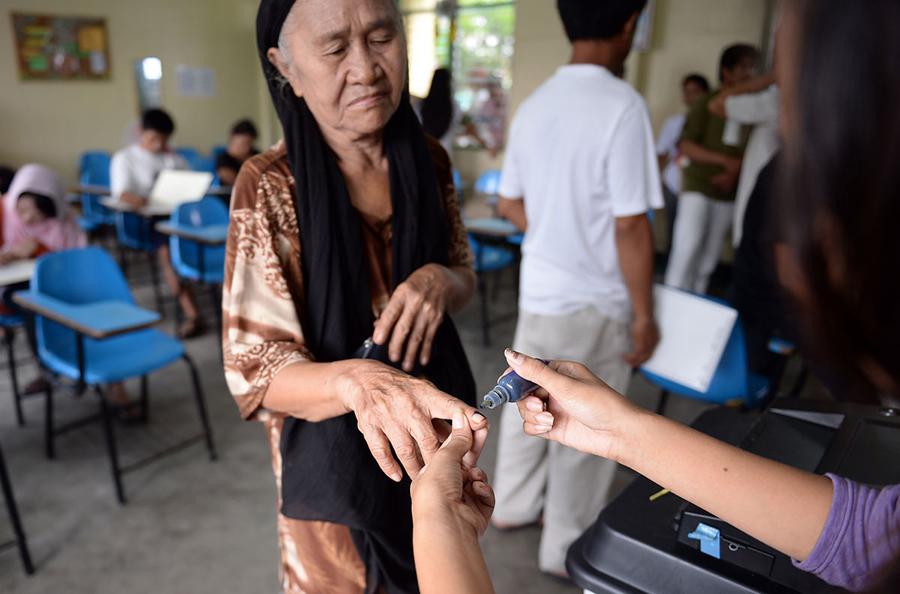 filipinos-vote-president