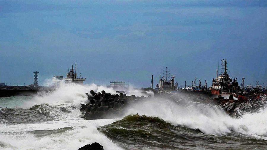 cyclone-roanu-bangladesh