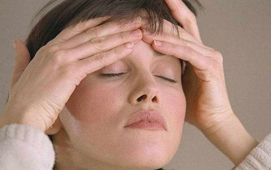 Women who suffer from migraine headaches may have a slightly increased risk of heart disease or stroke