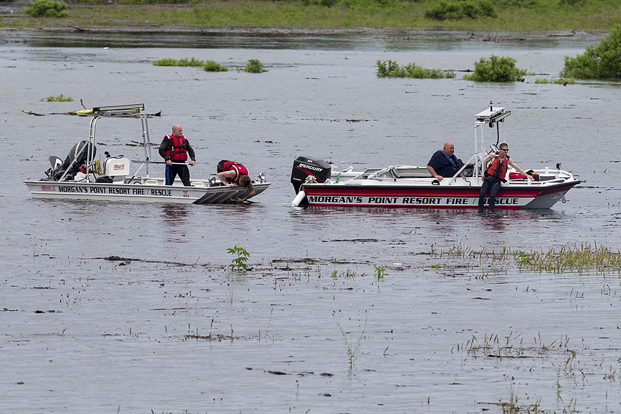 Texas flood kills 5 soldiers