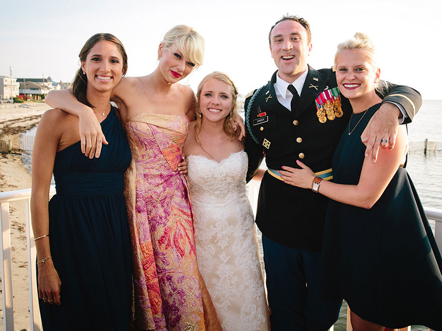 Taylor Swift surprise appearance at New Jersey wedding