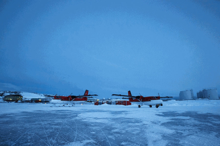 South Pole rescue flight of 2 sick workers leaves Antarctica. Image Credit: North Jersey