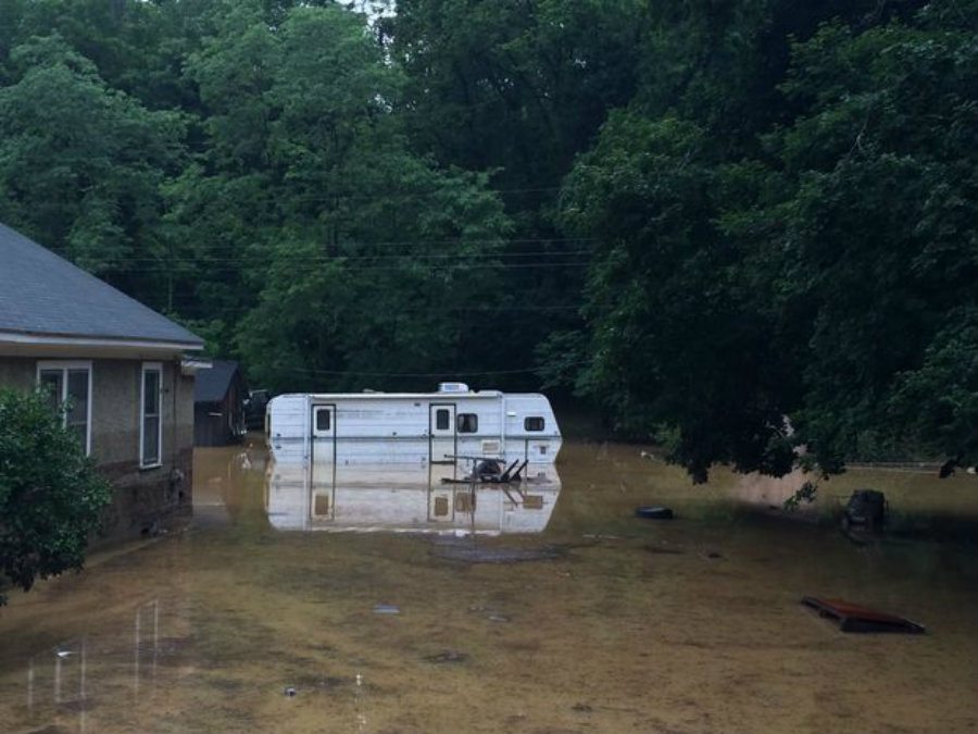 After a non-stopping rain, people in Virginia woke up today to the worst flooding the state has seen in the last 100 years. Photo credit: Stephanie Klein-Davis / The Roanoke Times