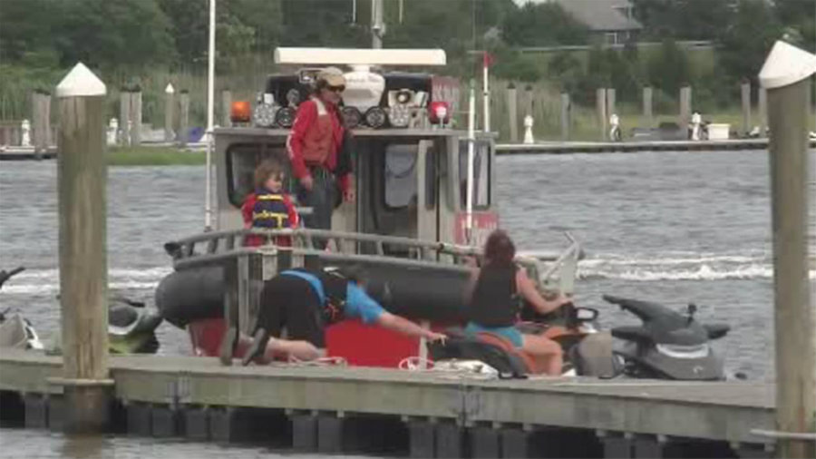 As seen above, a father about to head out for some jet skiing along with his 8-year-old son. Unfortunately, things went south when a watercraft crashed with them resulting in both the father and the son dead. Image Credit: ABC 5 NY