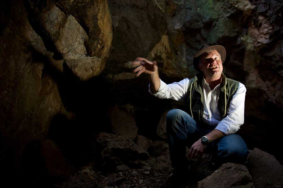 Homo-naledi-cave-discovery