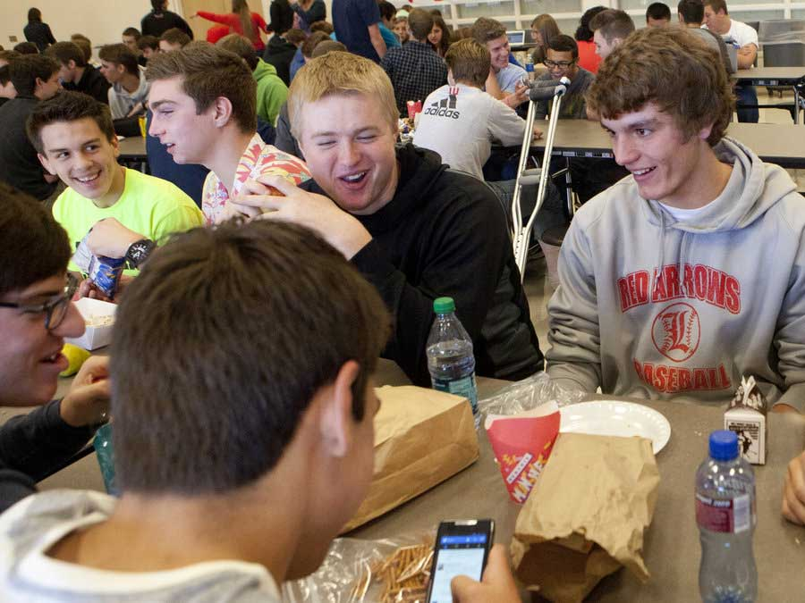 Schools-lunch-breaks-kids