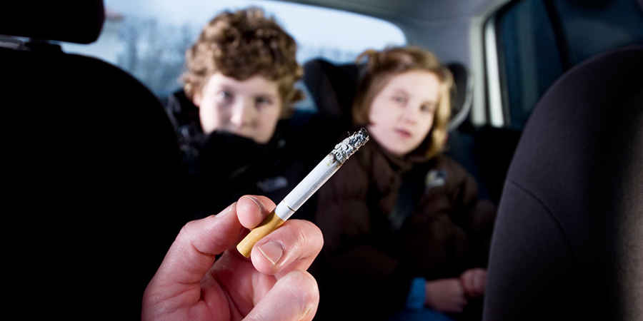 UK-bans-smoking-with-children-inside-the-car