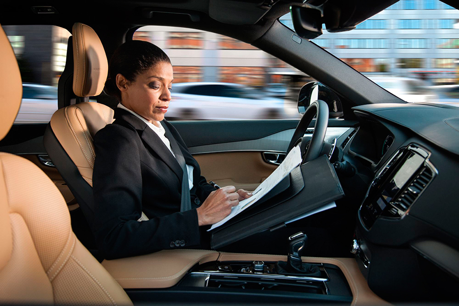 Volvo-introduces-its-IntelliSafe-Auto-Pilot-system