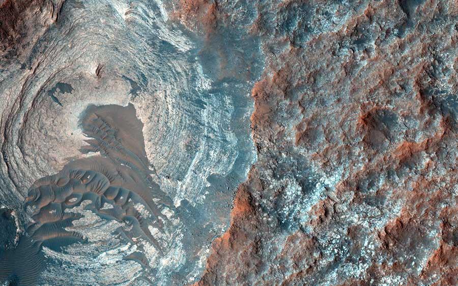 mars-dark-sands