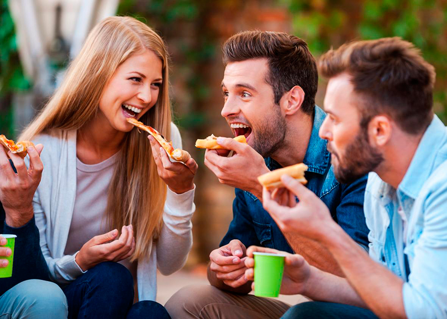 Men-eat-more-than-women