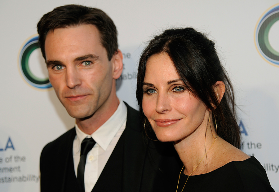 Courtney-Cox-and-Johnny-McCaid