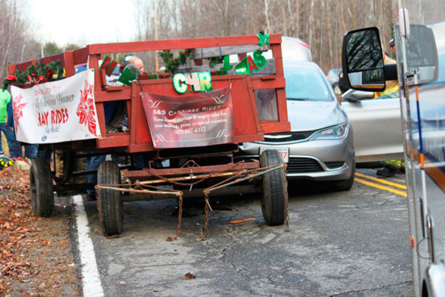 Carriage-accident-Christmas