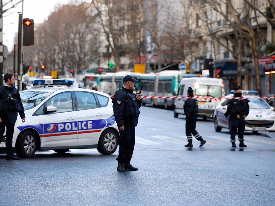 Police-kill-man-Paris