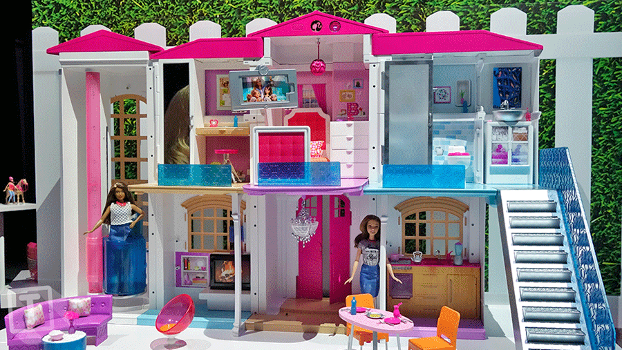 "Voice command can be started with a simple ""Hello Dreamhouse"". Photo credit: Toyland/Gizmodo / Digital Trends"