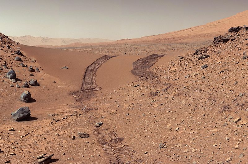 Mars surface, in a picture taken by the rover's Mast Camera (Mastcam) during the 538th Martian day, or sol, of Curiosity's work on Mars (Feb. 9, 2014). Credit: NASA/JPL-Caltech/MSSS