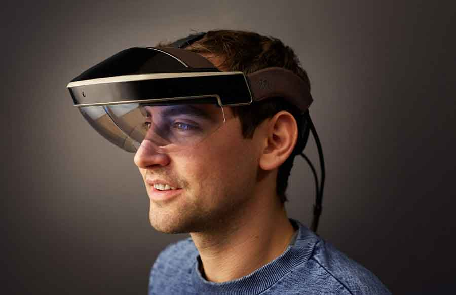 Meta has begun taking pre-orders for Meta 2 Development Kit, the first AR product that lets you touch, grab, and move digital objects naturally, as you would do in the real world. Photo credit: Metavision / Techspot