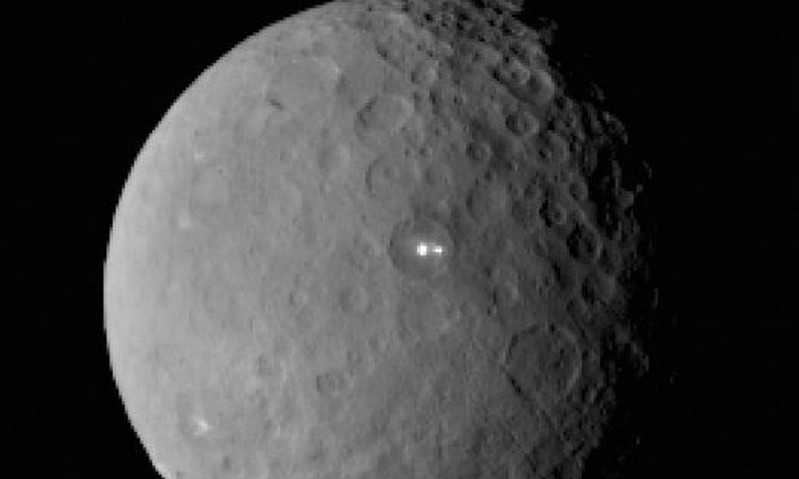 NASA's Dawn spacecraft has given scientists on Earth the first close-up of the bright spots on dwarf planet Ceres. Photo credit: IDA/DLR/MPS/UCLA/JPL-Caltech/Nasa