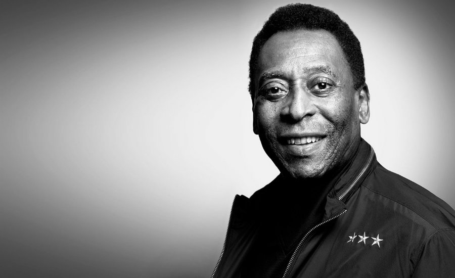 The iconic Brazilian soccer legend Pelé is suing Samsung Electronics Co. for $30 Million for the use of a lookalike of him in an advertisement that failed to reach an agreement with the soccer superstar in 2013. Photo credit: Colombia Mundial en Contravía
