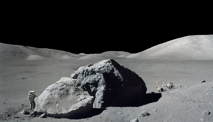 moon-mars-humans
