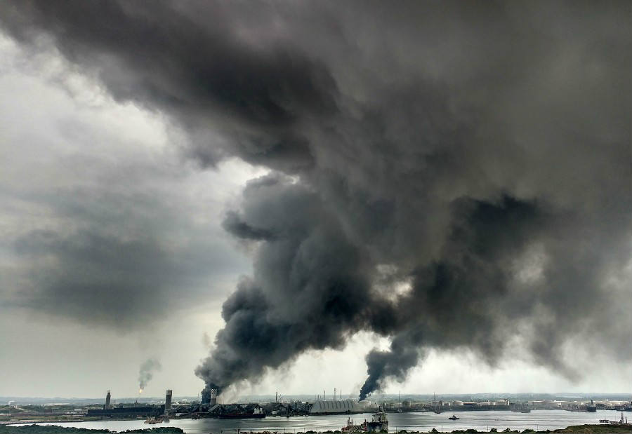 On Wednesday, the death toll from a huge explosion at a Mexican petrochemical plant in Coatzacoalcos has risen to 13, according to Mexican authorities. The explosion also led to the evacuation of the adjacent neighborhoods in the area. Credit: CNN