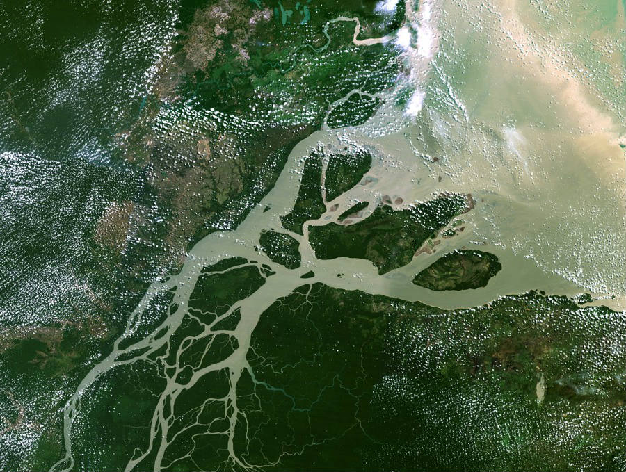 Satellite imagery of the mouth of the Amazon River, the newly discovered river published in the journal Science Advances. Photo courtesy of: M-Sat Planetobserver / Science Photo Library / Corbis