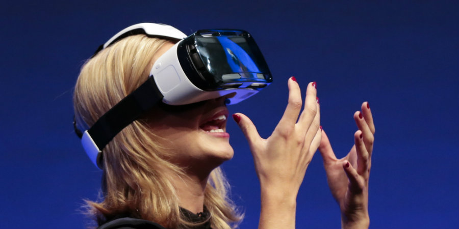 The industry of Virtual Reality would generate hardware revenues of up to $2.3 billion in 2016, according to a new report from the International Data Corporation. Photo credit: TV Overmind