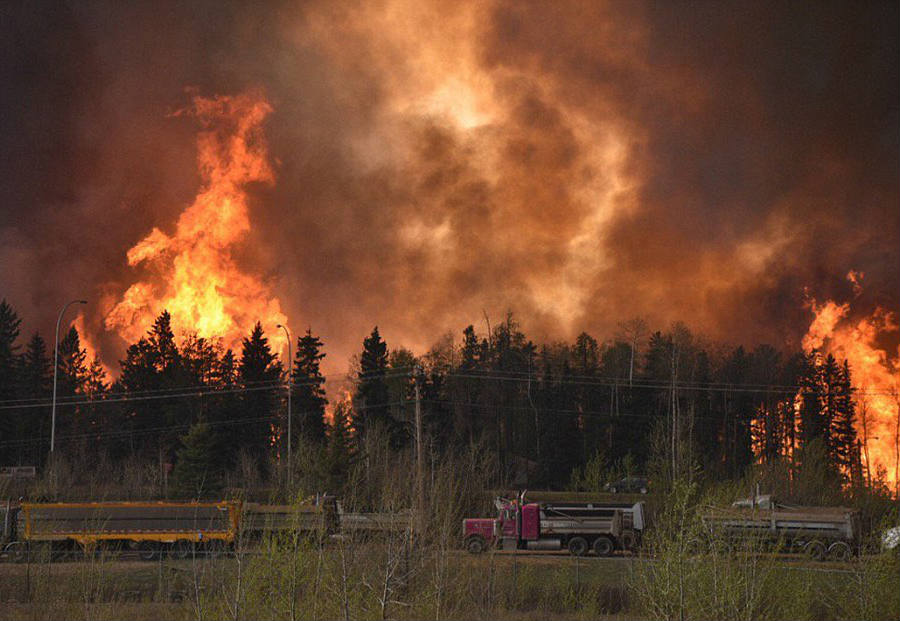 Massive fire consumes Canadian Town