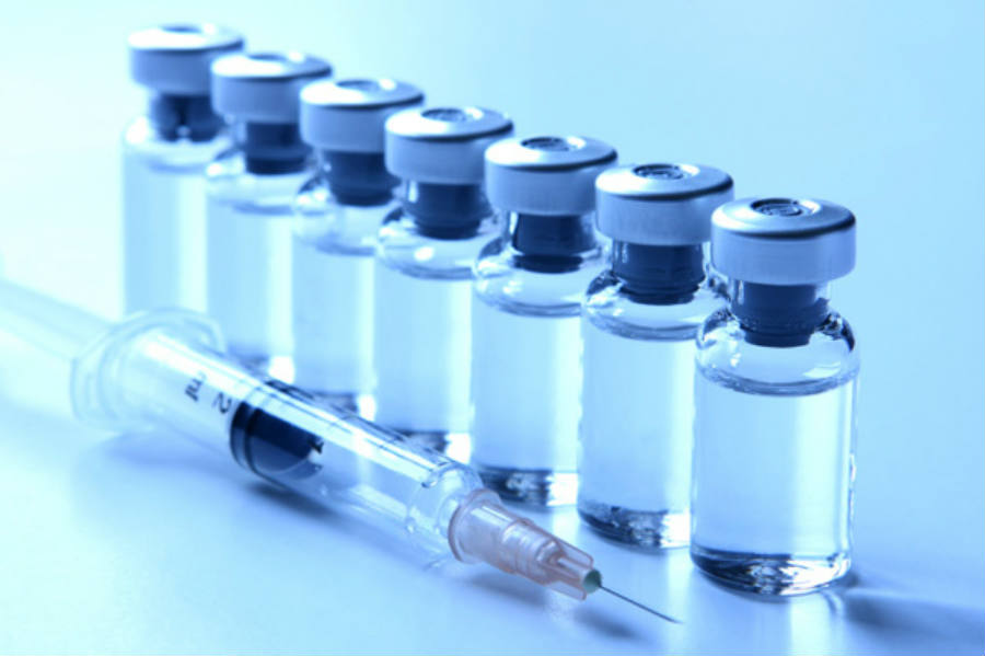 Currently, anti-retroviral drugs and HIV vaccine typically aim at improving the immune response