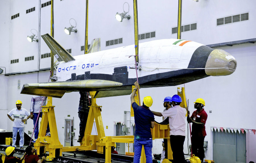 On May 23, India has tested its robotic space shuttle as part of a program for developing an orbital launch system in the country. Photo credit: Engadget