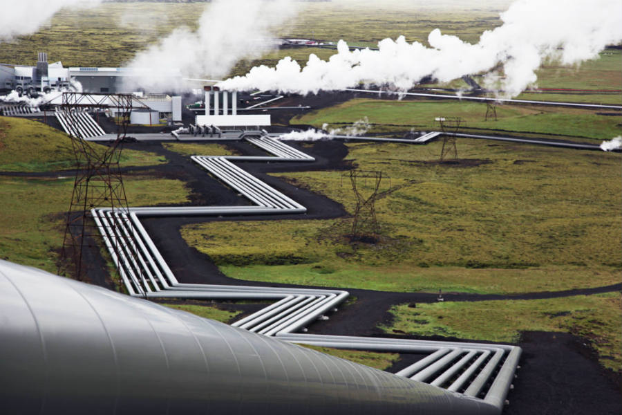 Amazingly enough, a power plant in Iceland has managed to succeed in the process of turning CO2 into solid rocks.
