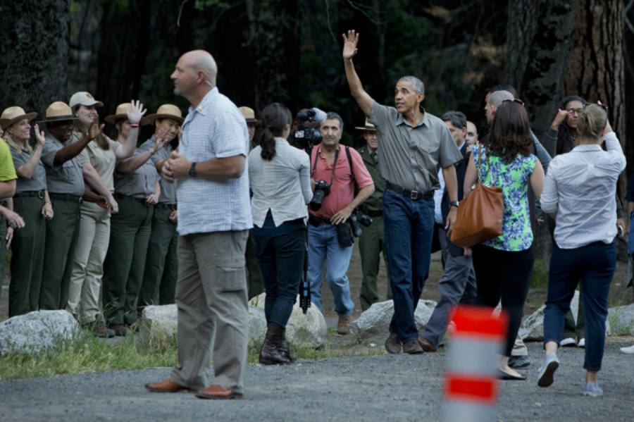 President Barack Obama waves to the crowd while he arrives at Yosemite earlier this week. Image Credit: Daily Mail