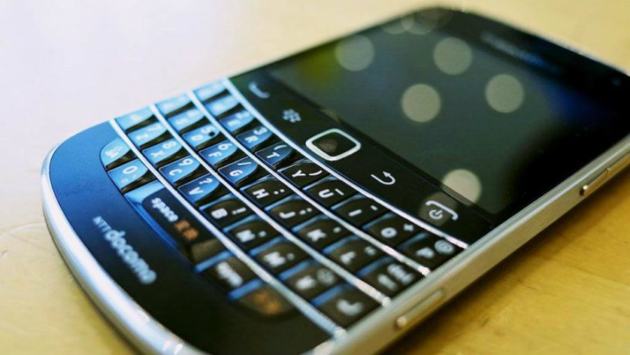 The Classic model from BlackBerry is being discontinued, considering that modern apps and smartphones have made such models obsolete. Image Credit: Naples Herald
