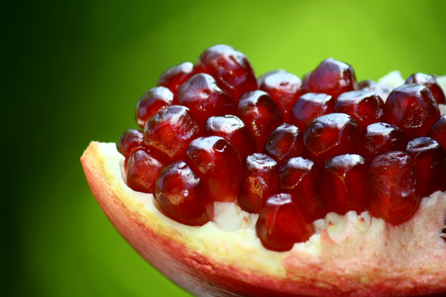 Pomegranates contain natural metabolite of ellagitannins that generates urolithin A by the contact with gut microflora. The study proves that urolithin A enhances mitochondrial and muscle functions. Photo credit: News Read
