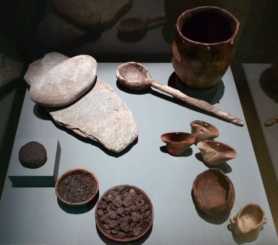 As seen above, a set of cooking and eating utensils used by human population from the Neolithic period. Image Credit: Wikipedia